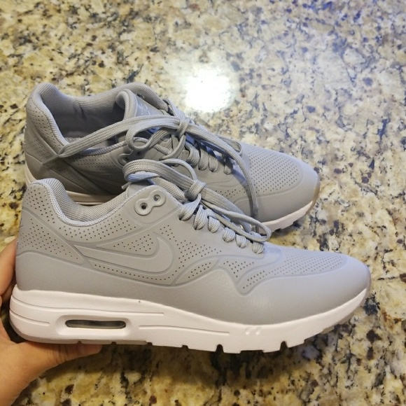 buy popular 45d35 dde78 WOMENS NIKE AIR MAX 1 MOIRE   704995-002. M 5ad62a71331627d3278acfc3